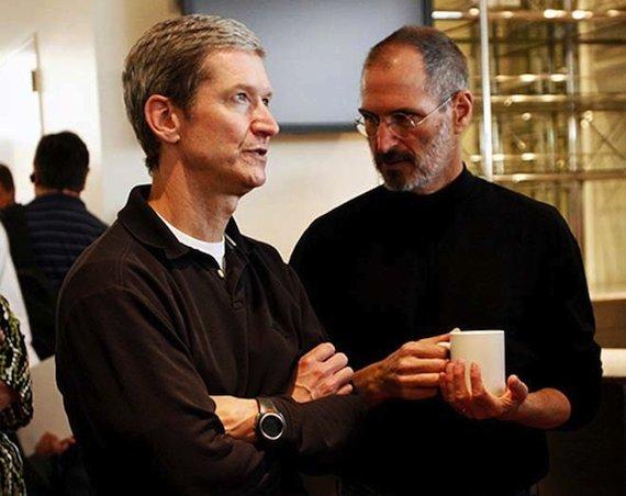 Come Steve Jobs, Tim Cook è il CEO più gradito di tutte le industrie statunitensi